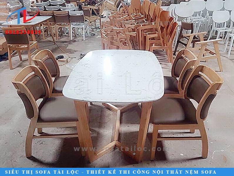 Xưởng sản xuất bàn ghế cafe cao cấp Tài lộc luôn có sẵn hàng trăm mẫu mã ấn tượng, đẹp mắt với giá tốt nhất để khác hàng thoải mái lựa chọn phù hợp với mô hình kinh doanh quán cafe của mình, đồng thời hợp với kinh tế và thiết kế của quán.