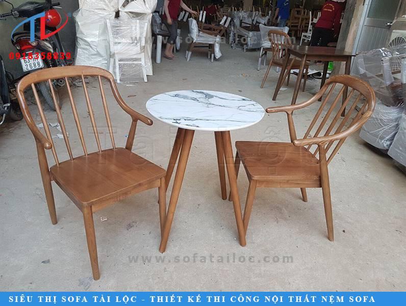 Sử dụng ghế cafe gỗ cho không gian có điểm nhấn ấn tượng hơn