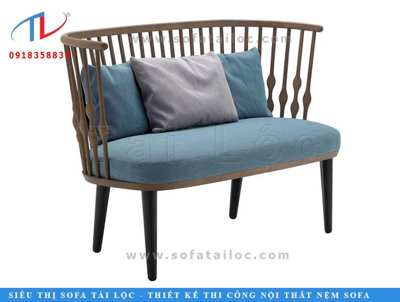 Giá bán mẫu ghế sofa cafe đẹp bằng gỗ phối nệm sẽ phụ thuộc vào kiểu dáng, kích thước, chất liệu gỗ, chất liệu đệm mouse cùng chất liệu bọc ngoài. Số lượng đặt làm hay mua cũng là yếu tố quan trọng nhất để quyết định giá thành của một bộ ghế sofa cafe.