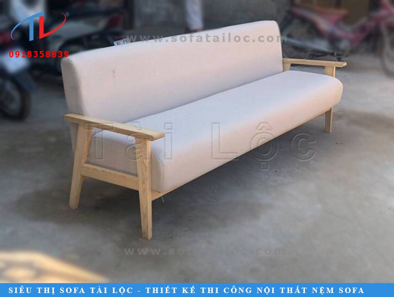 Tài Lộc là đơn vị sản xuất bàn ghế sofa gỗ cafe tphcm đẹp và ấn tượng nhất cho không gian quán cafe của bạn thêm hoàn hảo hơn