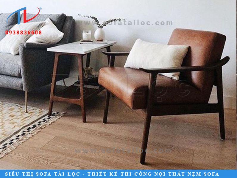 Mẫu ghế gỗ nệm bọc da microfiber xinh xắn với thiết kế dạng văng nhỏ gọn, tinh tế