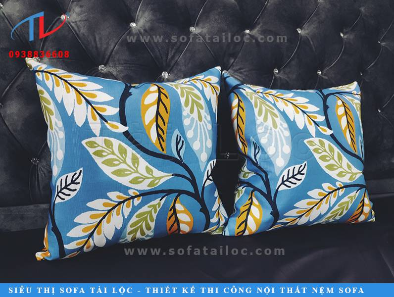 Gối để sofa đẹp cao cấp giá rẻ đang là lựa chọn của nhiều khách hàng sở hữu ghế sofa hay ghế gỗ. Với ghế gỗ, phối chung gối om cùng đệm ngồi là sự lựa chọn hoàn hảo