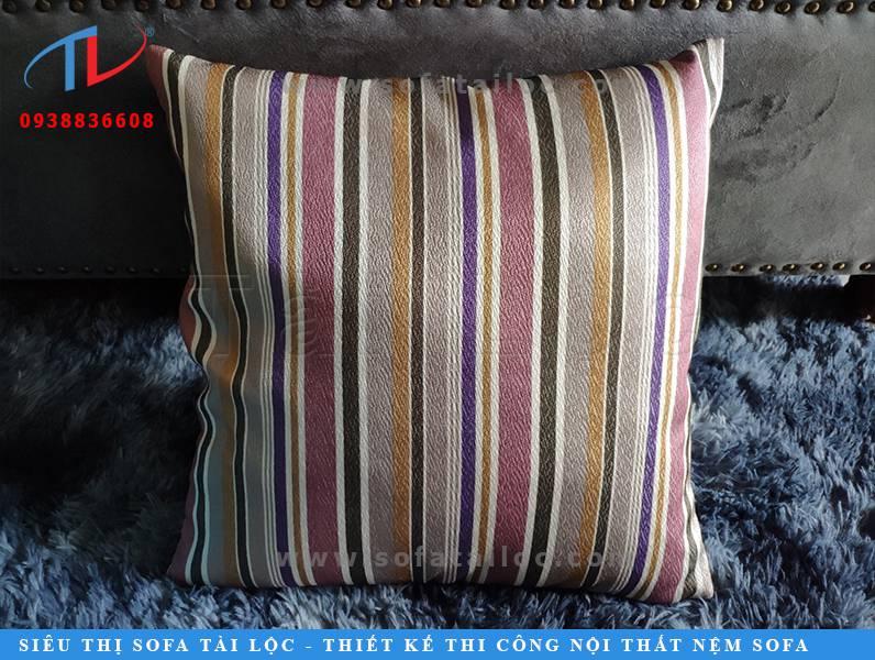 Gối ghế sofa gỗ - Lựa chọn thiết thực để tân trang những bộ ghế gỗ cứng nhắc - nhàm chán