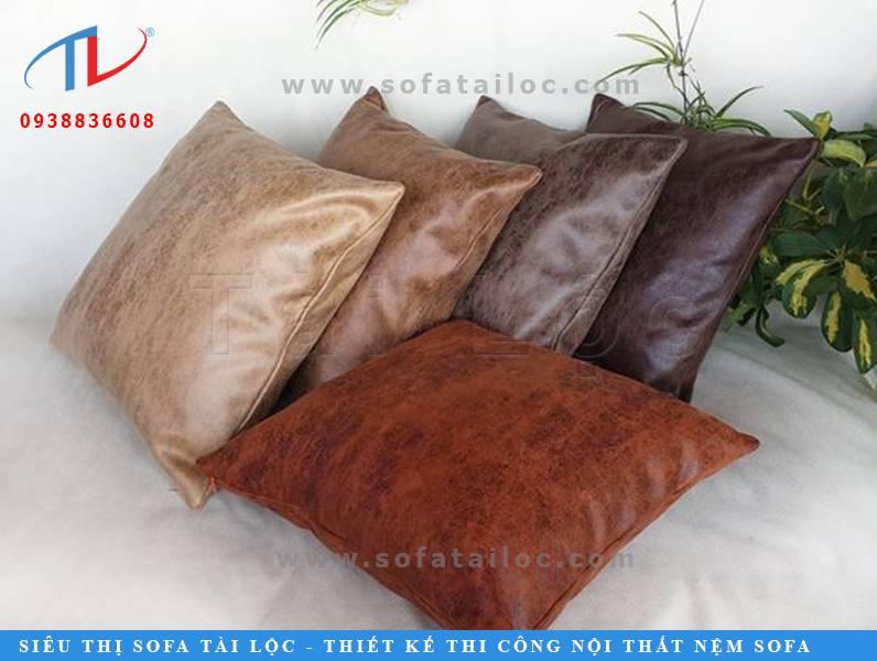 Có lẽ chính bạn cũng sẽ không bao giờ nghĩ rằng những chiếc gối sofa da lại có nét đẹp đặc biệt đến thế đúng không nào?