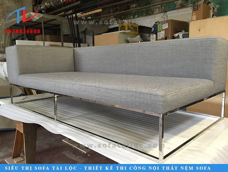 Quy trình sản xuất sofa tại xưởng của Tài Lộc luôn được kiểm tra cẩn thận để mang đến những sản phẩm chỉn chu nhất.