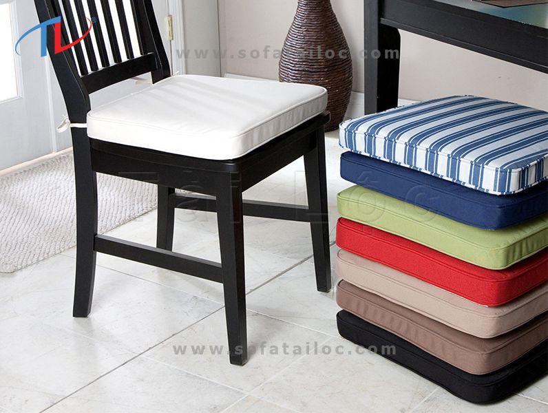 May bọc nệm ghế sofa gỗ với thiết kế hình vuông đơn giản, dễ dàng đặt tại ghế sofa hay những mẫu ghế gỗ phòng ăn, phòng họp,...