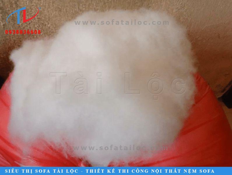 Bông gòn tơi là loại bông gòn công nghiệp thông dụng chuyên được sử dụng làm gối gòn sofa