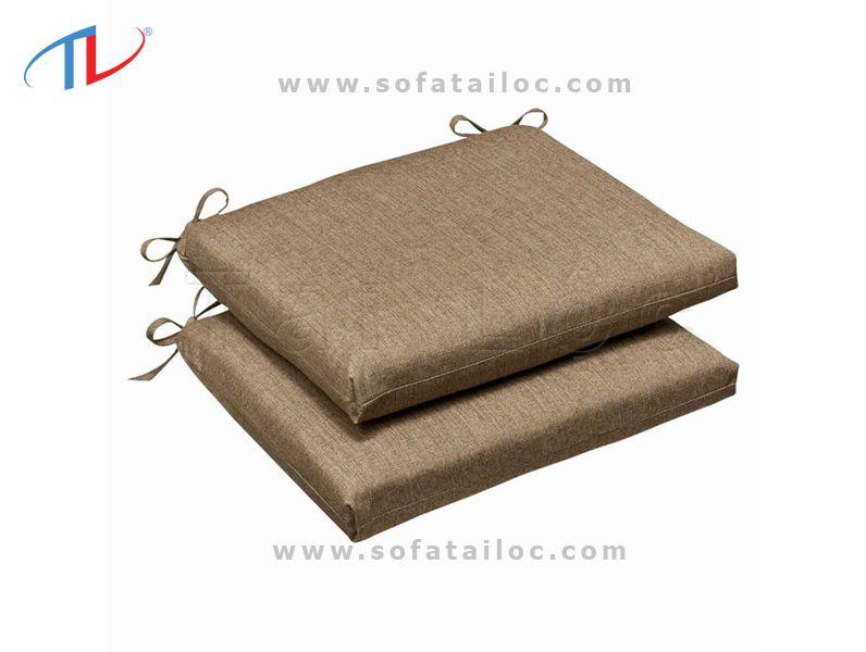Miếng nệm ghế sofa gỗ hình vuông, hình chữ nhật bọc bằng vải bố, nhung trơn là lựa chọn hàng đầu của khách hàng hiện nay