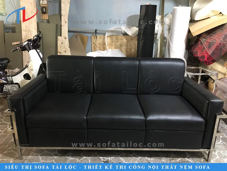 Bọc ghế simili sofa rất được nhiều khách hàng lựa chọn vì chất liệu giả da simili có rất nhiều màu sắc để lựa chọn tùy theo nhu cầu và sở thích cá nhân
