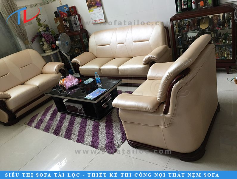 Dịch vụ bọc ghế sofa cũ của Tài Lộc đã thay đổi hoàn toàn diện mạo ọp ẹp hư hỏng toàn bộ của bộ ghế sofa ban đầu, nhìn nó không khác gì bộ ghế được mua mới - Đó là những phản hồi tích cực từ khách hàng khi nhận sản phẩm.