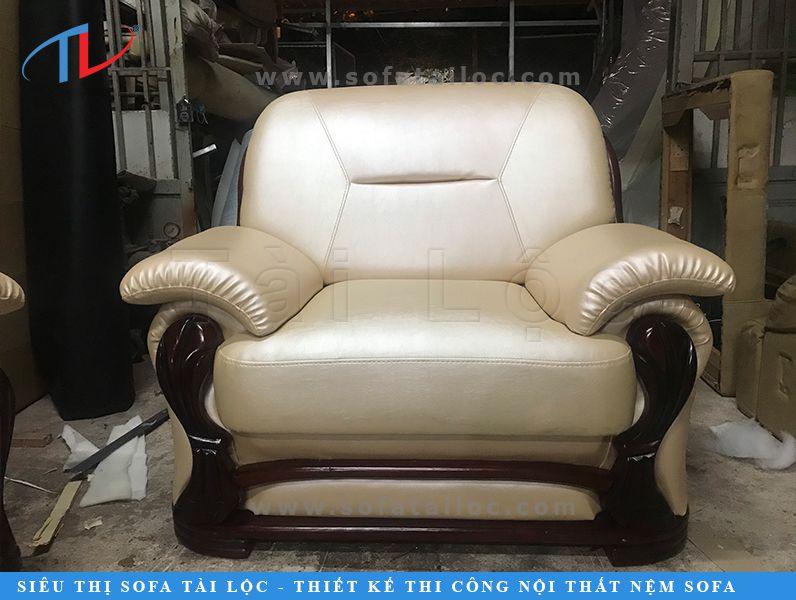 Bọc sofa da càng cao cấp, càng đòi hỏi máy móc tiên tiến để phù hợp và tay nghề của người thợ may phải có tay nghề cao để bộ ghế vào form sắc nét nhất.