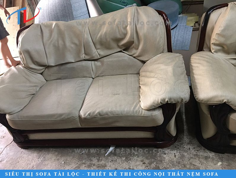 Hình ảnh bộ ghế sofa cũ trước khi bọc lại tại xưởng bọc sofa Tài Lộc