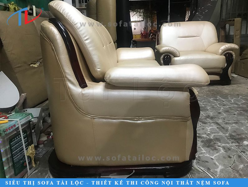 Thay bọc ghế sofa đòi hỏi nhiều công sức, tâm huyết của người thợ. Chỉ có những công ty uy tín mới mang đến cho bạn sự hài lòng tốt nhất.