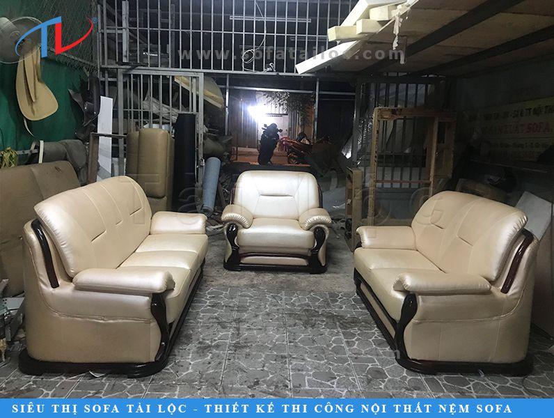Xưởng bọc sofa giá rẻ Tài Lộc luôn cố gắng mang đến những sản phẩm có độ bền, tính thẩm mỹ cao nhất để chiều lòng mọi khách hàng, thậm chí là những khách hàng kỹ tính nhất.