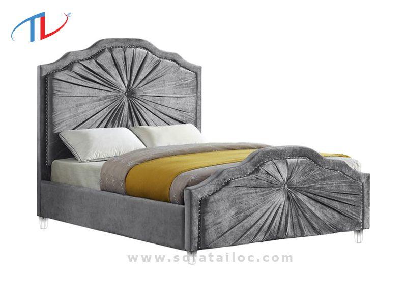 Giường bọc đệm nỉ đầu giường được rút vải khéo léo ở phần đầu giường và chân giường mang đến một sản phẩm độc đáo