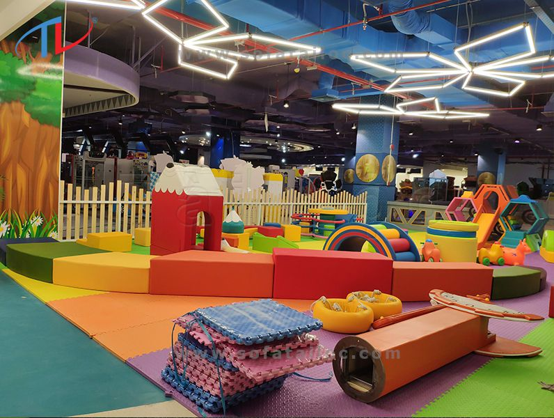 Công trình đóng ghế sofa cho bé tại khu vui chơi giải trí Gigamal Thủ Đức