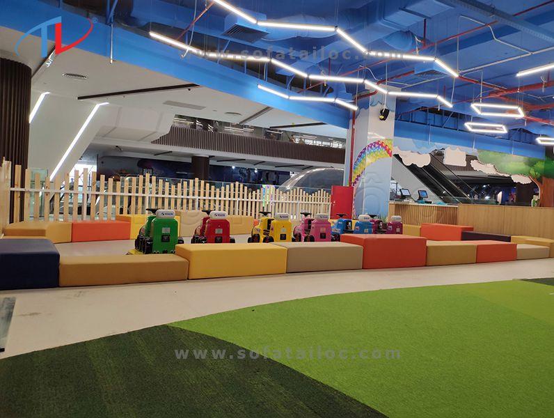 Đóng ghế sofa cho bé chuẩn đẹp giá rẻ cạnh tranh tại khu vui chơi giải trí Gigamal